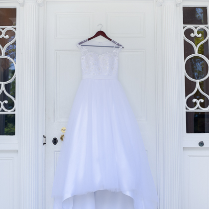 Jeff and Emily Mitchell Robert E. Lee Hotel dress on hotel door